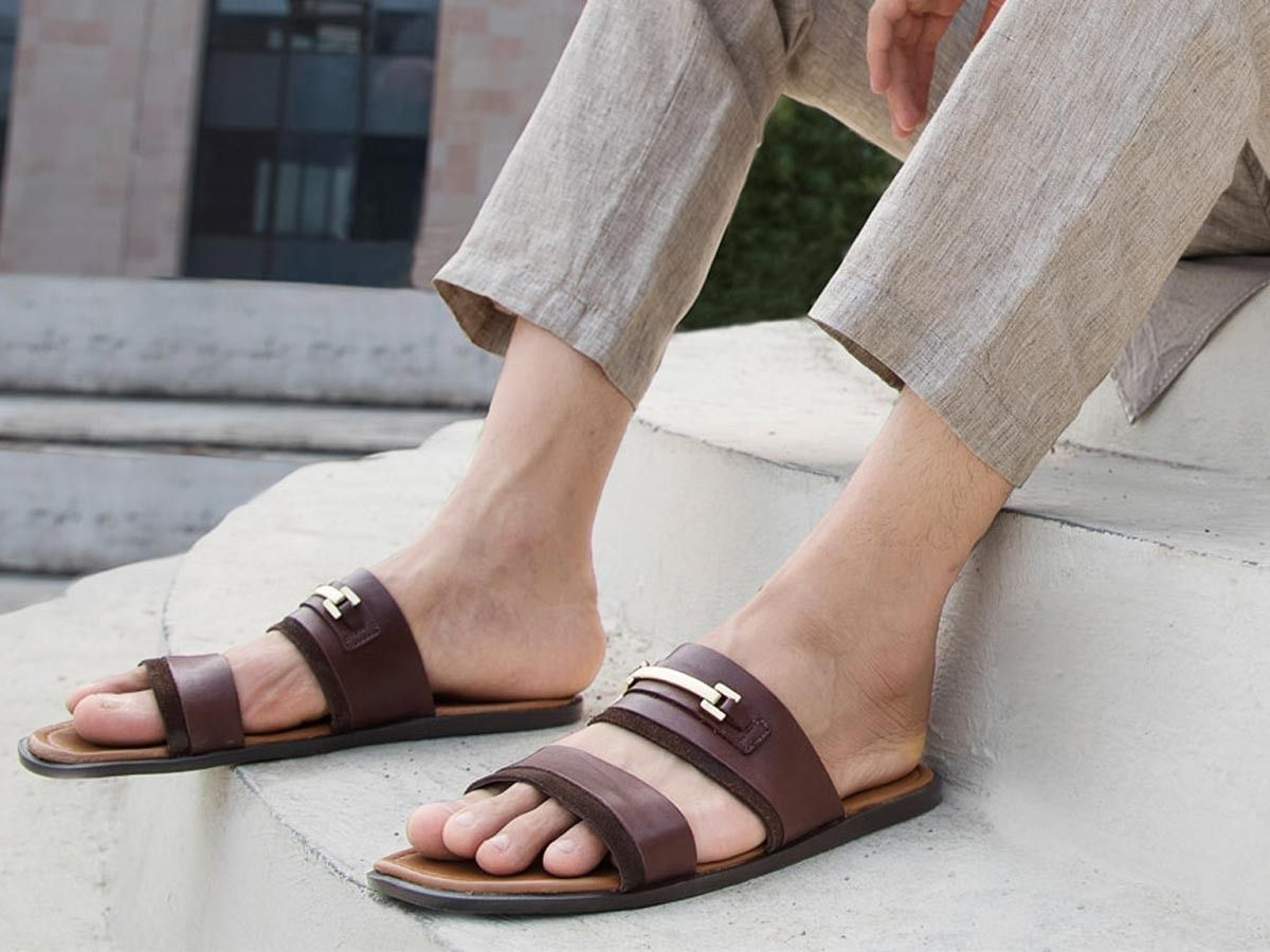 sandali uomo, estate 2021, pianelle uomo, sandali in pelle, sandali marroni
